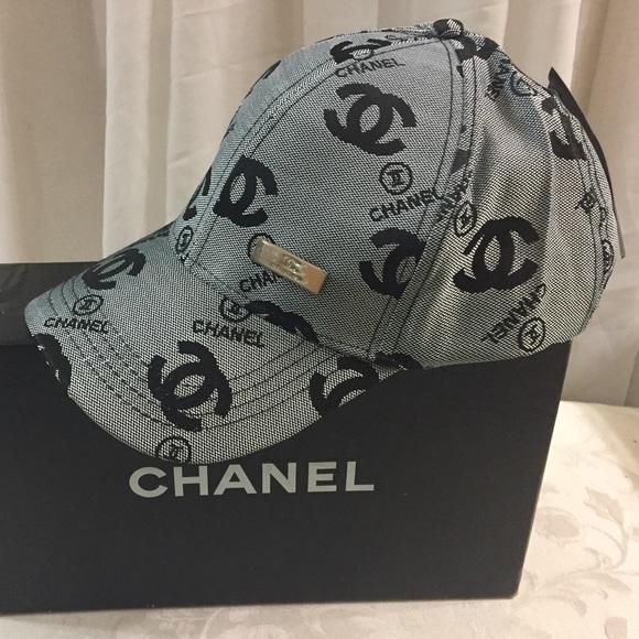 e8ac859c4e7 Chanel souvenir baseball cap ⚾️